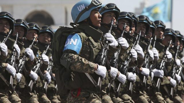 Acordo na ONU reduz orçamento de Capacetes Azuis em 528 milhões