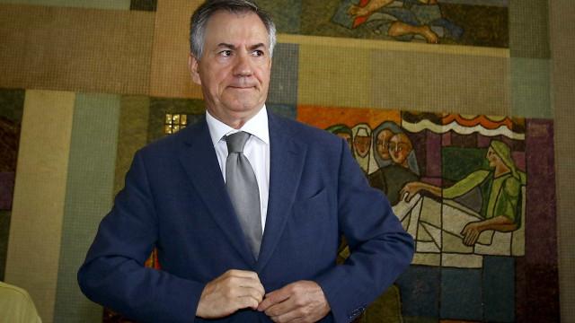 """Armando Vara já está na cadeia de Évora para ser preso. """"Sou inocente"""""""