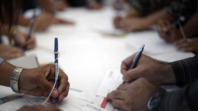 Desempregados registados diminuíram em dezembro