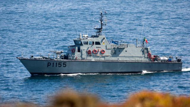 Três britânicos resgatados por navio grego ao largo da ilha das Flores