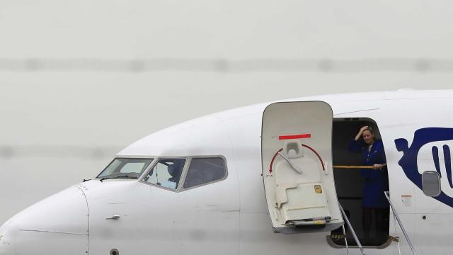 Tripulantes da Ryanair na Europa contactados para substituírem grevistas