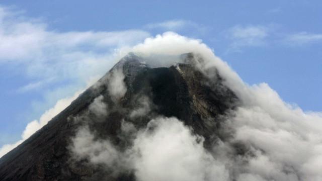 Pelo menos 11 pessoas retiradas de Bali. Vulcão entrou em atividade