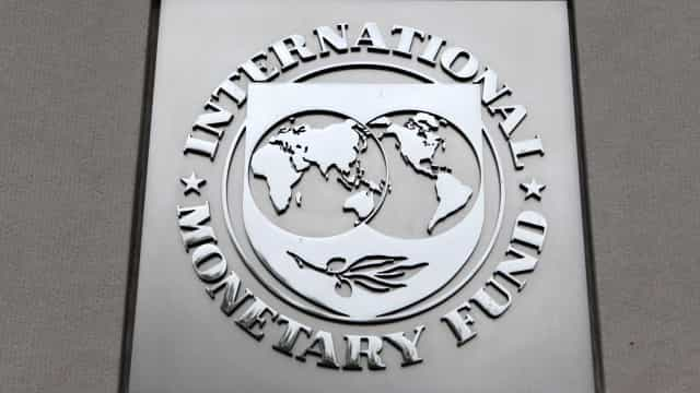 FMI preocupado que crescente endividamento das famílias leve a nova crise