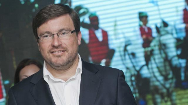 Câmara de Santarém impedida de publicitar obras até às eleições