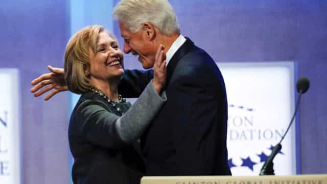 Casal Clinton anuncia digressão nos EUA