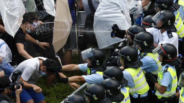 Condenados a prisão três líderes dos protestos em Hong Kong em 2014