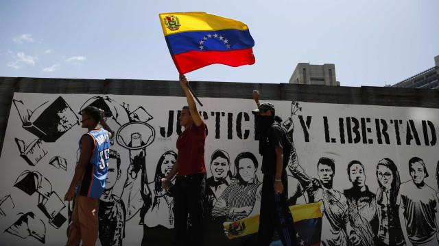 Crise na Venezuela pode fazer subir petróleo sete dólares por barril