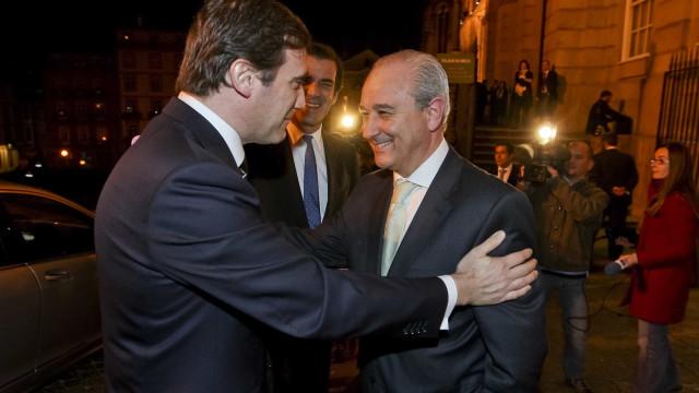 """Rio considera """"natural"""" elogio de Passos sobre os seus mandatos"""