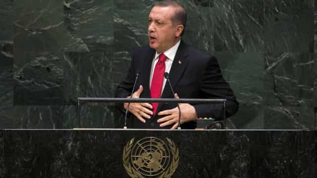 """Governo turco apresenta """"novo modelo económico"""" perante cenários de crise"""