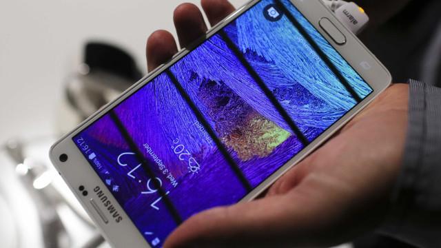 Samsung recolhe baterias do Galaxy Note 4 por risco de sobreaquecimento