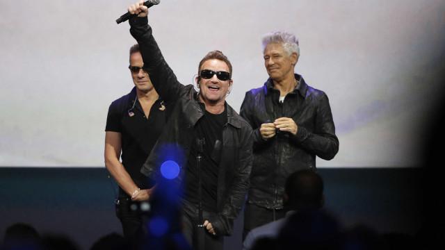 U2 forçados a parar concerto após Bono ter perdido subitamente a voz