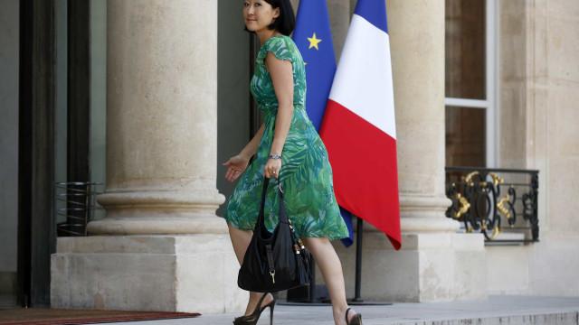 Ex-ministra francesa suspeita de relações ilegais com empresa sul-coreana