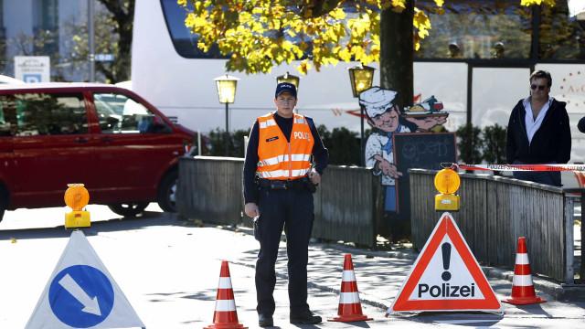 Português condenado a pena de prisão na Suíça por excesso de velocidade