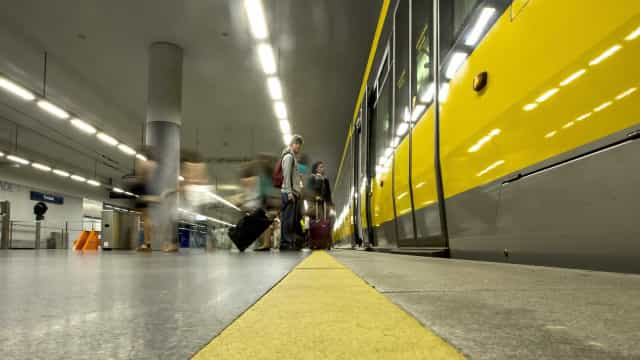 Doze interessados em desenvolver linhas Rosa e Amarela da Metro do Porto
