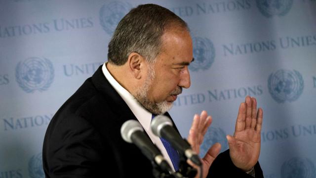 Israel reabre passagem de mercadorias para Gaza se calma continuar