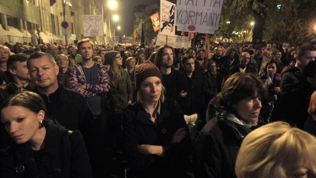 Milhares de pessoas em nova manifestação anti-Orban em Budapeste
