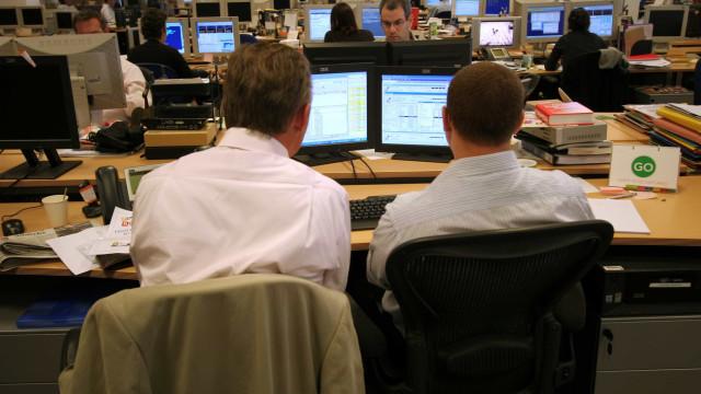 Taxa de juro dos novos empréstimos a empresas cai para novo mínimo