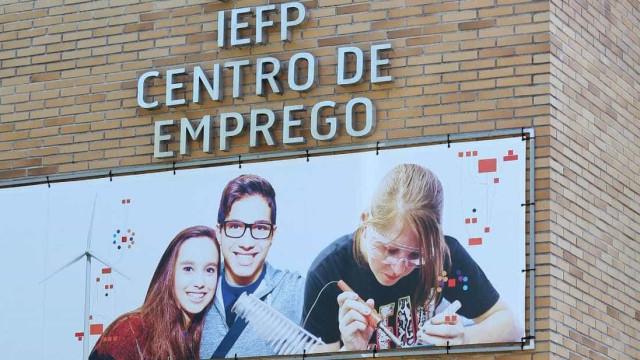 Cerca de três mil funcionários do IEFP transitam para carreiras gerais