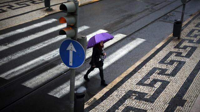 Chuva e vento continuam a afetar o continente até meio da próxima semana