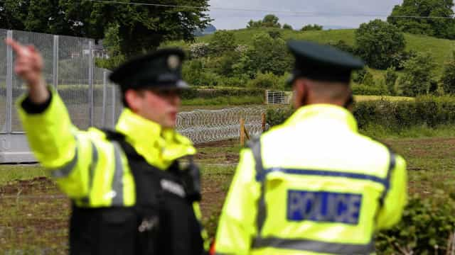 Dissidentes do IRA suspeitos de atentado. Detidas duas pessoas