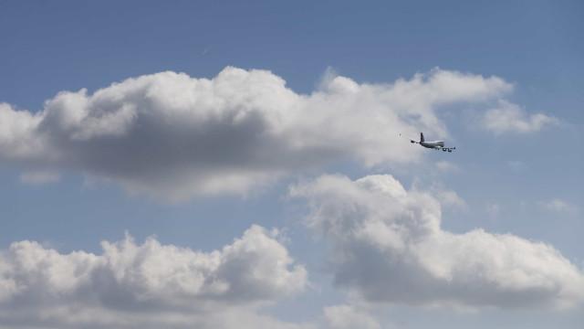 Companhia aérea britânica Flybmi declara falência e cancela todos os voos