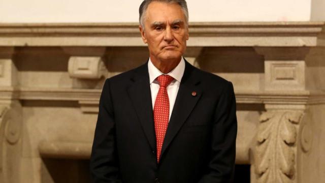 """Cavaco em silêncio sobre PSD, mas lembra que Portugal era """"bom aluno"""""""