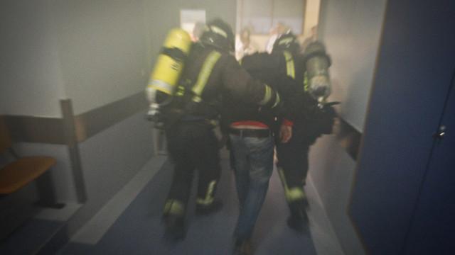 Seis feridos, dois com gravidade, em incêndio urbano