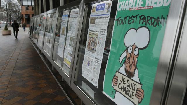 """""""Islão, região da paz… eterna"""". A nova (polémica) capa do Charlie Hebdo"""