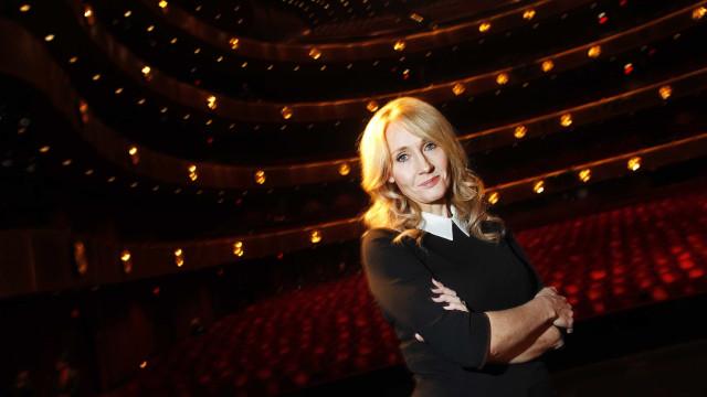 J.K. Rowling processa antiga assistente por usar o seu cartão de crédito