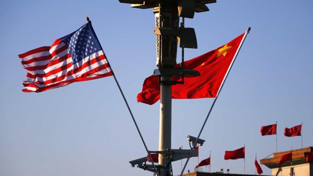 """EUA devem cessar atos contra """"a soberania chinesa"""", diz dirigente chinês"""
