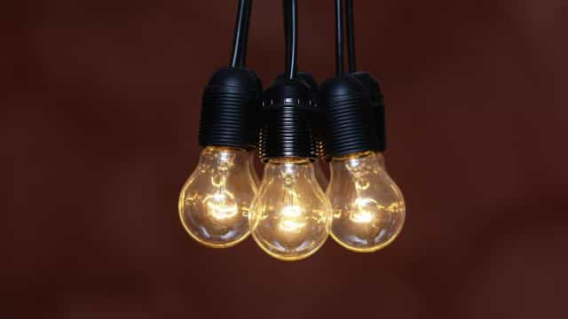 Preço da fatura da luz vai subir. Regulador propõe aumento de 0,1%