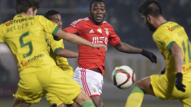 Benfica pode encaixar 2,5 milhões de euros com Ola John