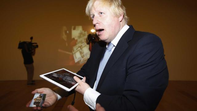 Boris Johnson rejeita acusações de que infringiu regras na campanha
