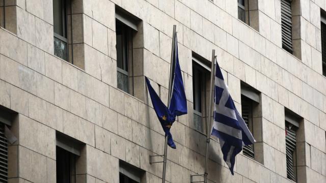 Bruxelas congratula-se por desembolso de última tranche de apoio à Grécia