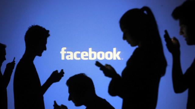 Sugestão de amizade do Facebook acaba por se revelar uma familiar perdida