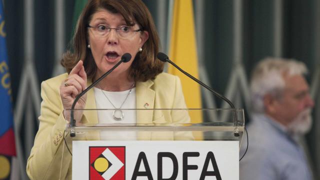 Líder do PSD/Açores lamenta saída de Berta Cabral