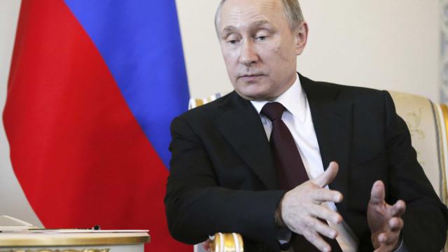 Rússia nega que ex-espião envenenado tenha escrito a Putin a pedir perdão