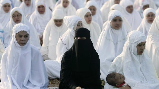 Argélia proíbe a funcionárias públicas uso de véus que cobrem o rosto