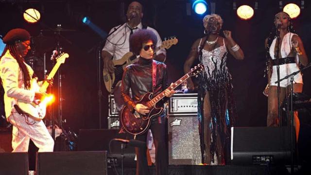 """Prince já partiu mas ainda nos vai dar nova música """"em breve"""""""