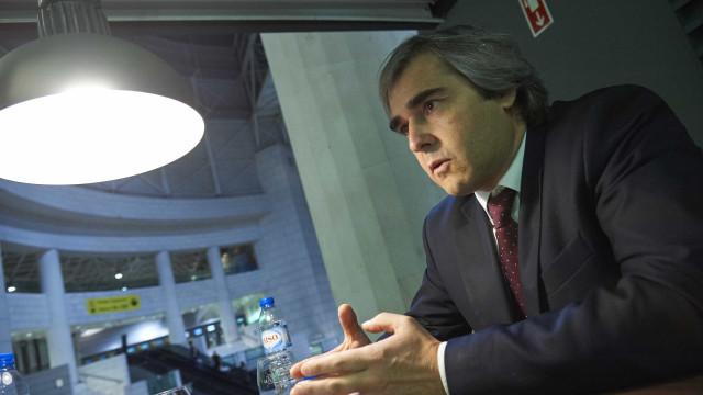 """CDS acusa Governo de """"desbaratar dinheiro a pensar nas eleições"""""""