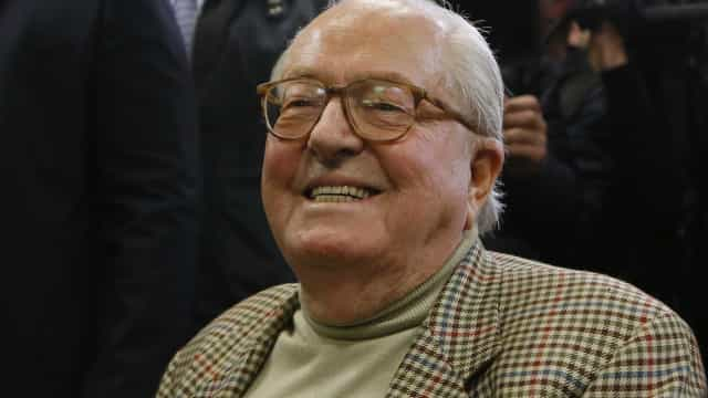 Jean-Marie Le Pen deixou o hospital para festejar os seus 90 anos