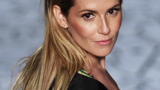 Deborah Secco indignada com caso de assédio sexual em autocarro