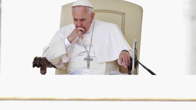 Papa pede determinação para evitar naufrágios no Mediterrâneo