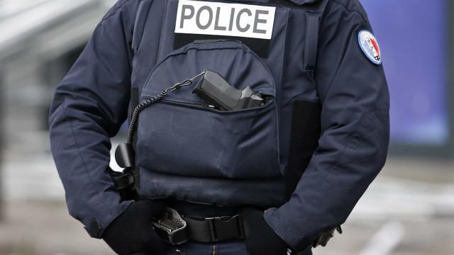 Carro faz um morto em Marselha após embate contra paragem