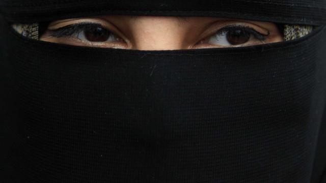 Como se chega a noiva de um jihadista? Elas contam