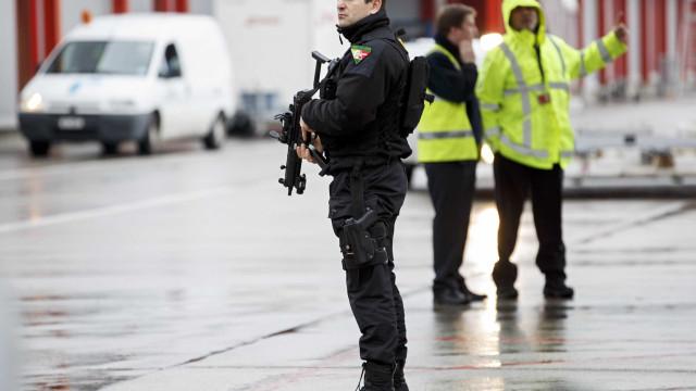 Jovem atacou pessoas com machado na Suíça. Vários feridos