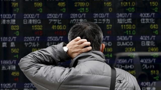 Bolsas europeias seguem a negociar no vermelho