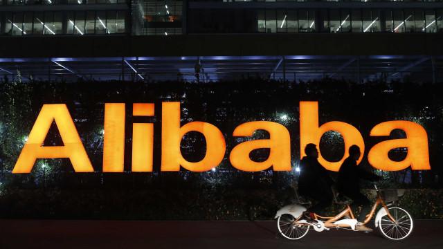 Empresas estrangeiras acusam Alibaba de pressão para acordos exclusivos