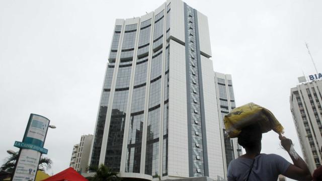 Bancos saem de África porque é muito caro cumprir regras dos reguladores