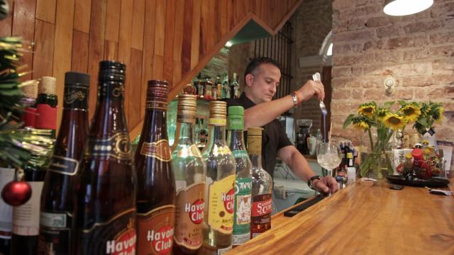 Bebidas espirituosas querem manutenção de imposto até 2020